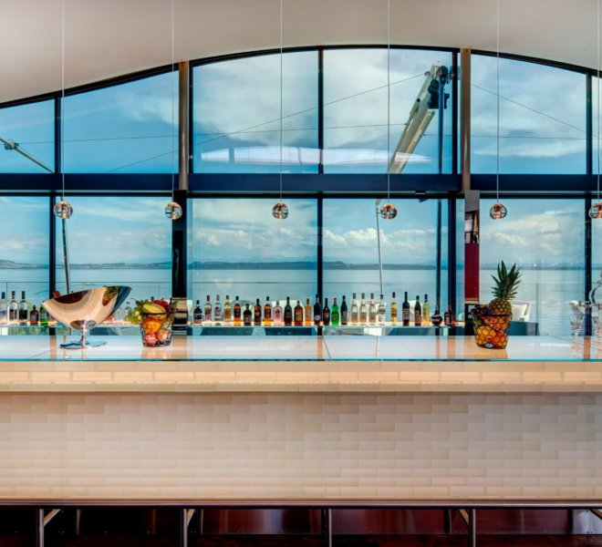Best Western Premier Hotel Beaulac Bar
