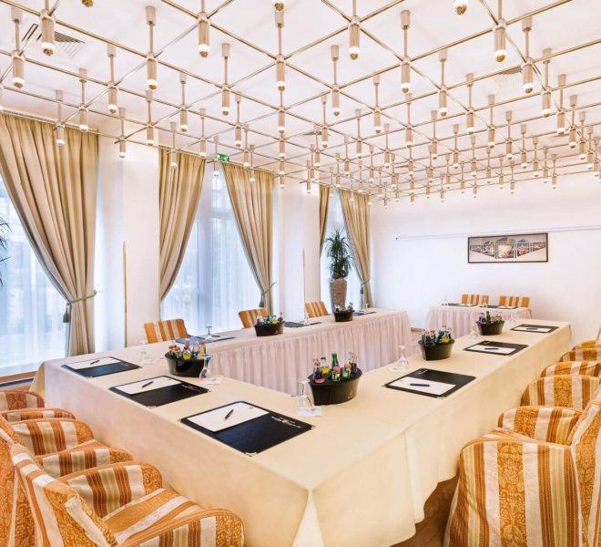 Best Western Premier Grand Hotel Russischer Hof Tagungsraum