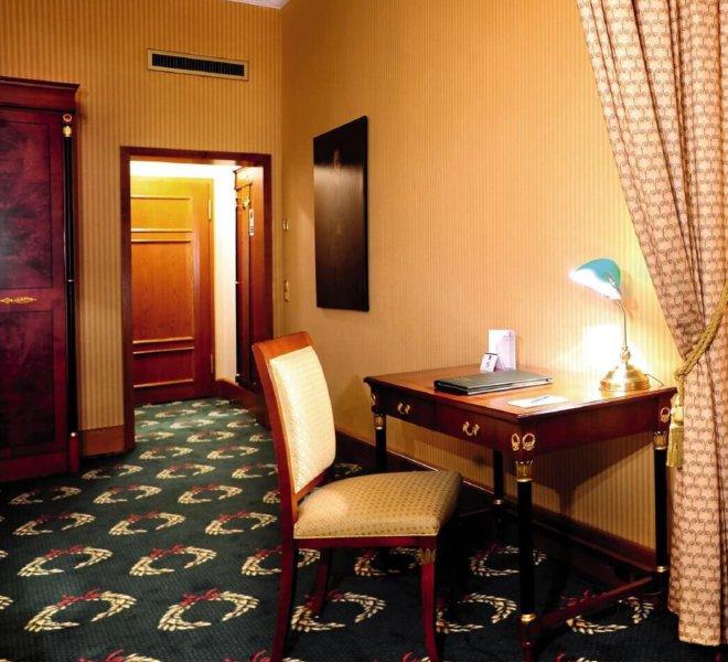 Best Western Premier Grand Hotel Russischer Hof Zimmer