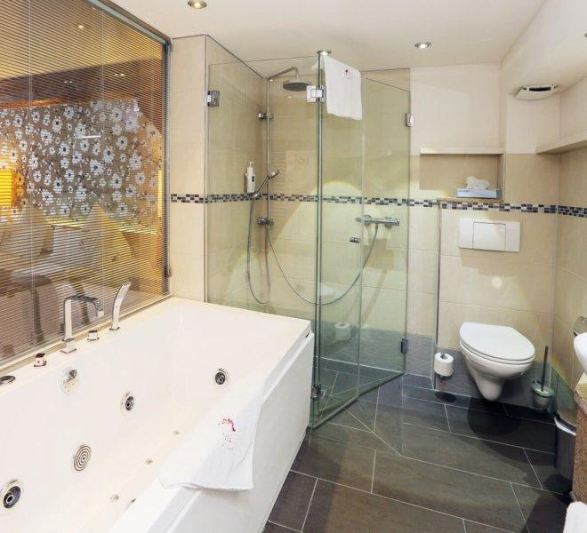 Best Western Premier Hotel an der Wasserburg Badezimmer