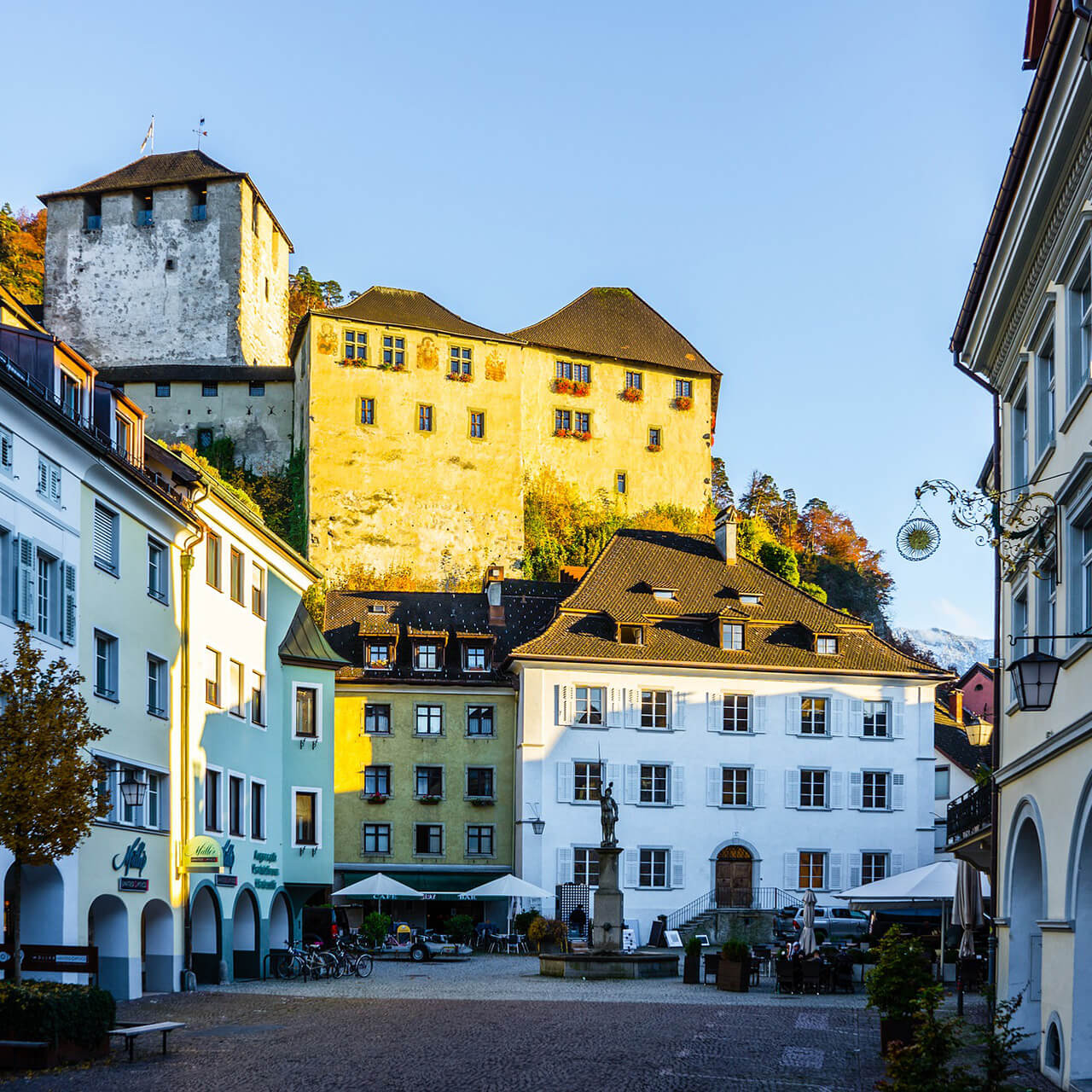 Blick auf die Schattenburg in Feldkirch