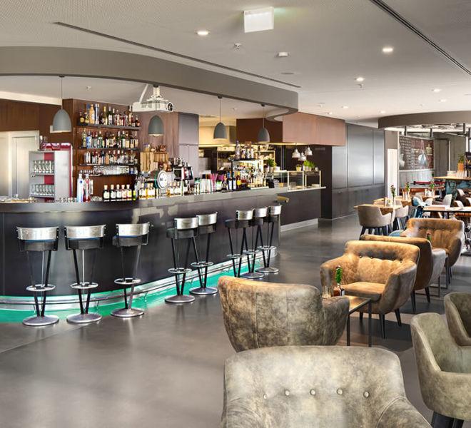 Bar im Bistro im V8 Hotel Motorworld Region Stuttgart